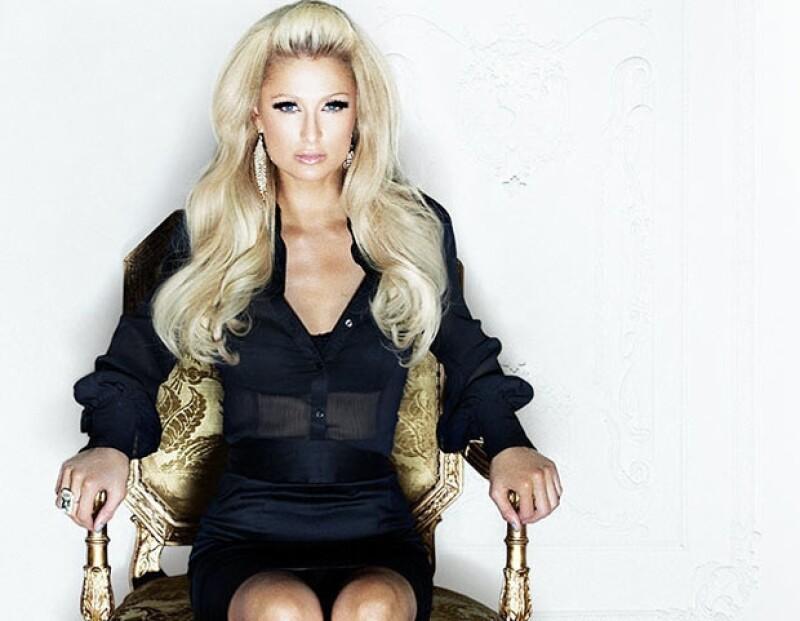 De manera sensual, la socialité anunció a sus seguidores en redes sociales que está retomando su carrera como cantante.
