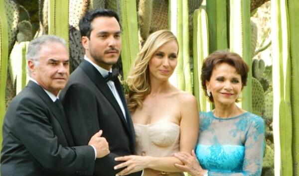 Rodrigo y Manne con los papás de él, Álvaro Dávila y Pati Chapoy.