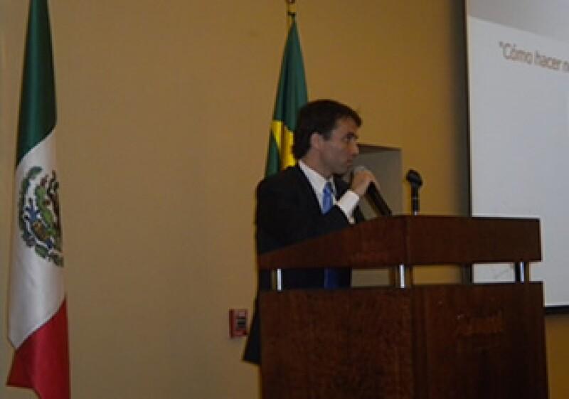 El agregado comercial de la Embajada de Brasil, Danie barra, aseguró que México tiene oportunidades en los sectores petroquímico y agroindustrial (Foto: Silvia Ortiz)