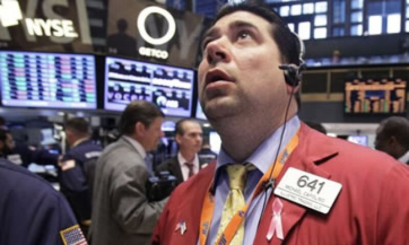 Las acciones en Wall Street cayeron por segunda sesión consecutiva este jueves. (Foto: Reuters)