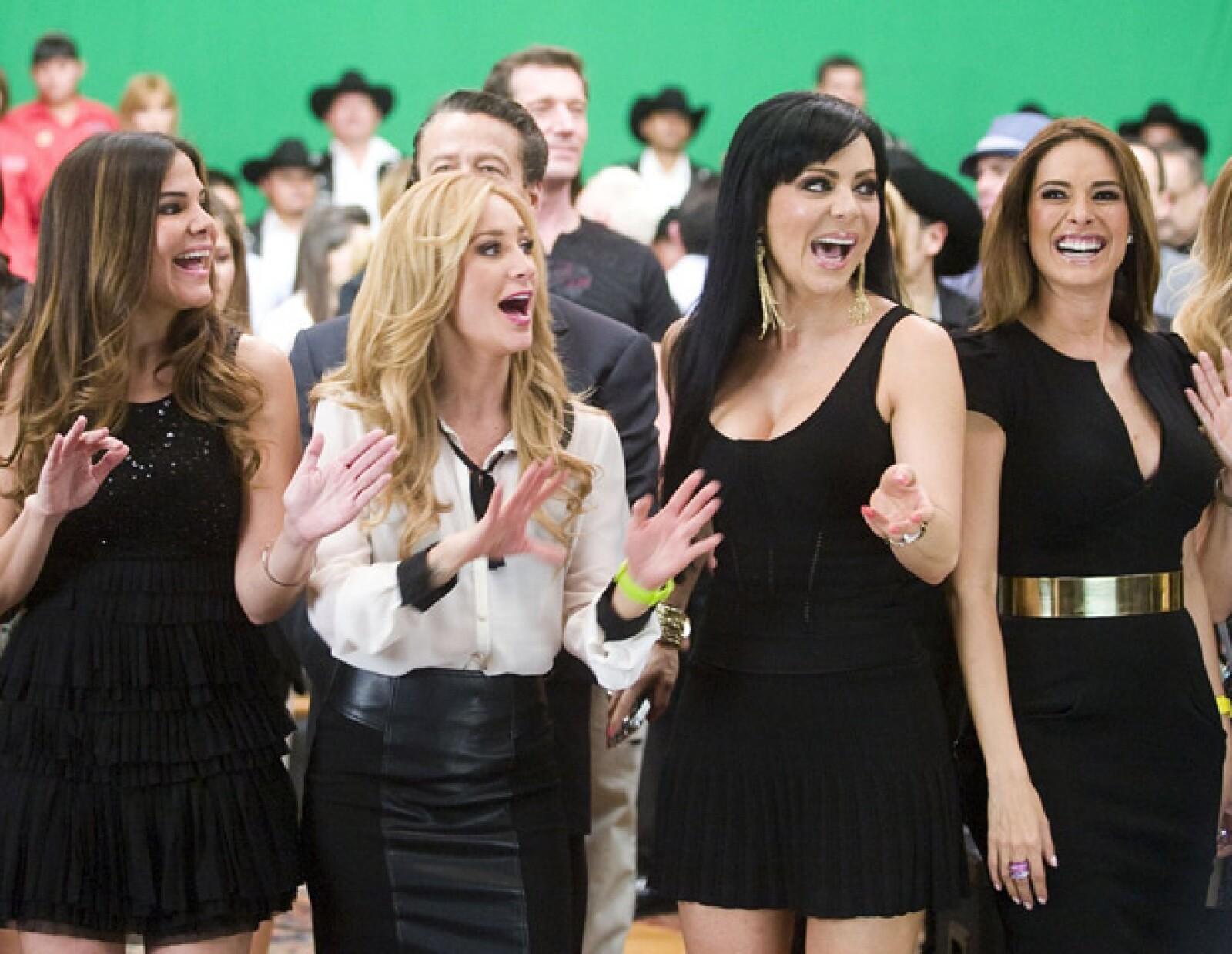 Geraldine Bazán, Vielka Valenzuela, Maribel Guardia y Yolanda Andrade lucieron muy divertidas en las grabaciones.