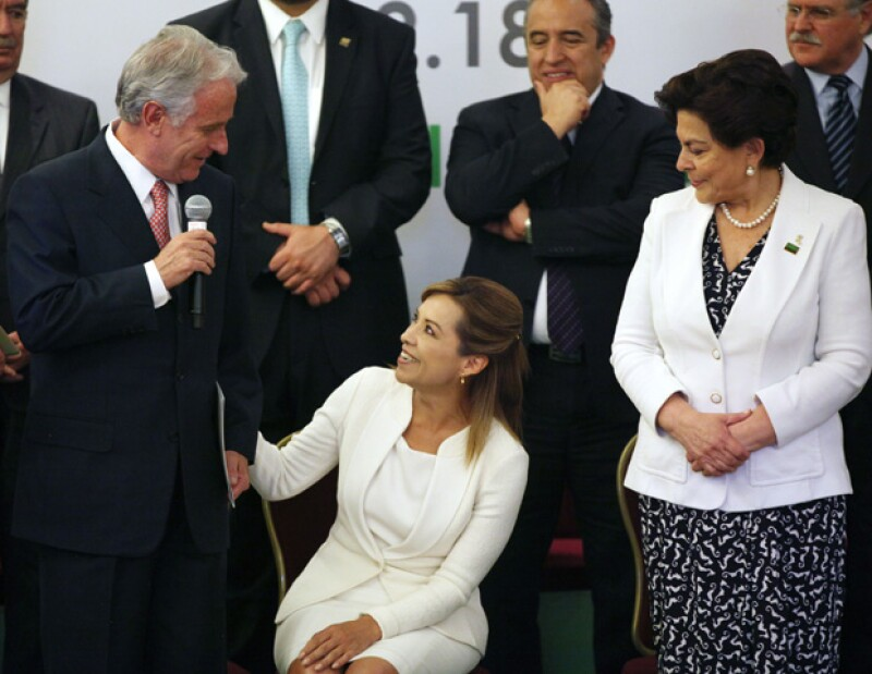 Algunos de los ex colaboradores de Vázquez Mota revelaron lo `extrema´ que la candidata a la Presidencia de la República es con su trabajo.