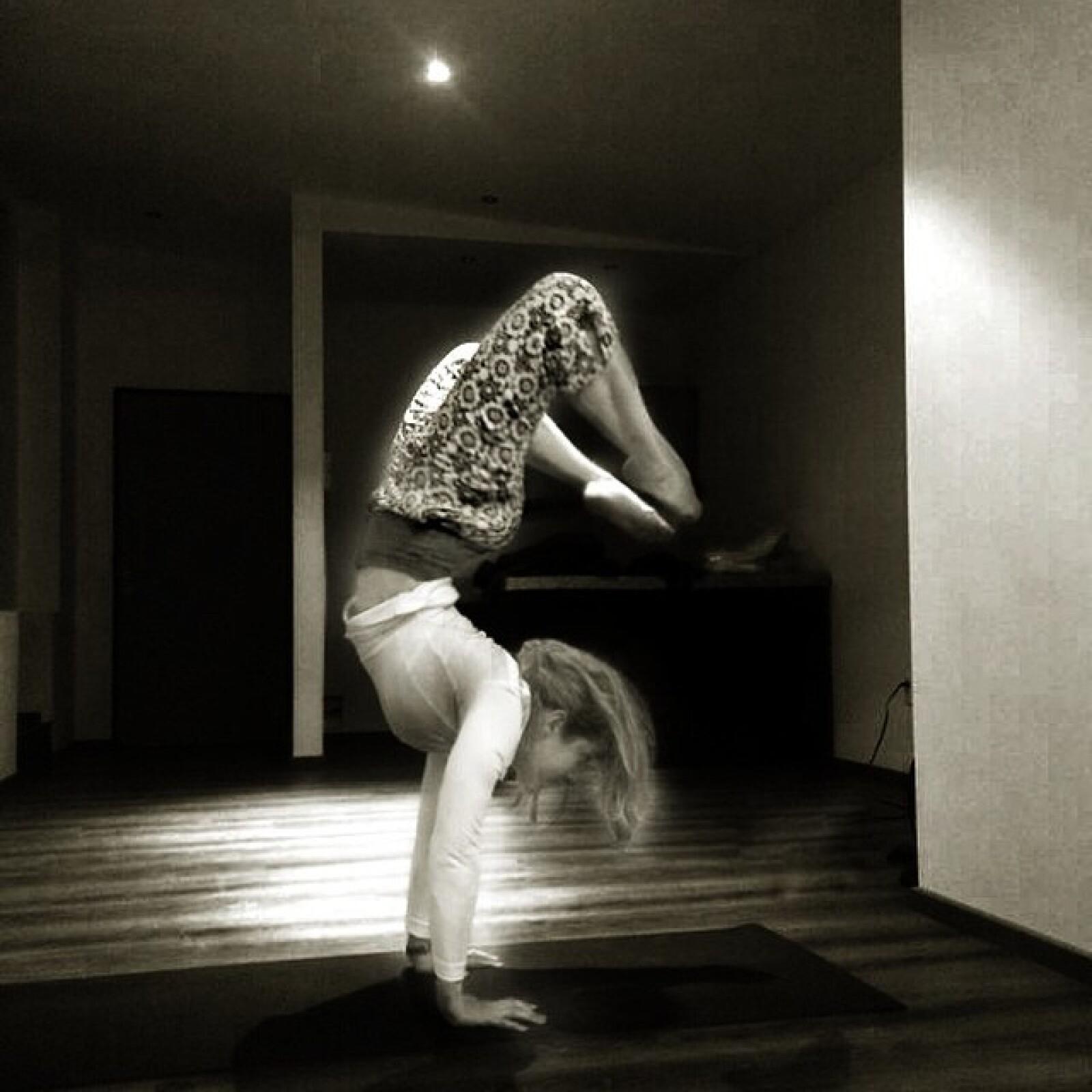 Namaste, así demuestra Nunzia su pasión por el yoga.