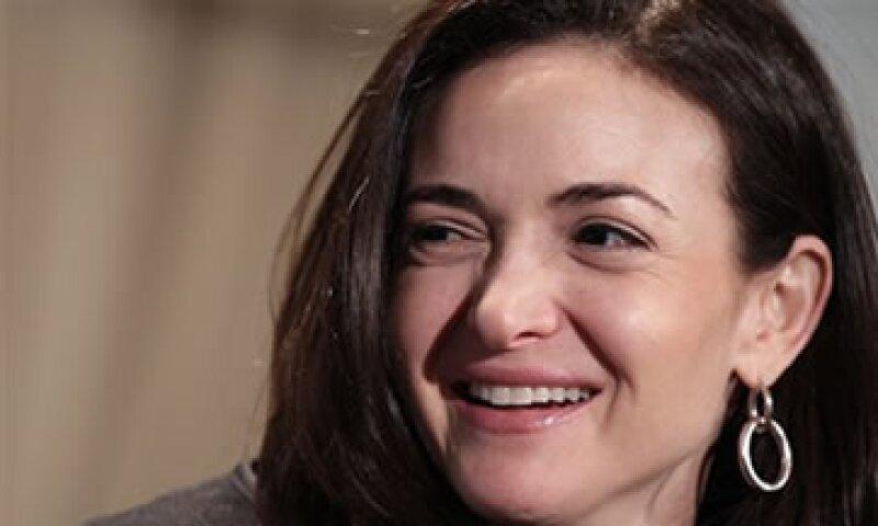 Cuando Facebook debutó en la Bolsa Sandberg tenía 46.6 millones de acciones.  (Foto: AP)