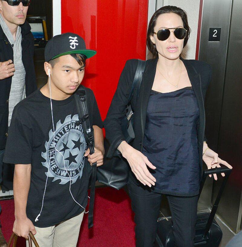 Maddox fue el primer niño que Angelina adoptó después de que lo viera un par de veces en Camboya durante la filmación de Tomb Raider, filme que le generó una gran popularidad a la actriz.