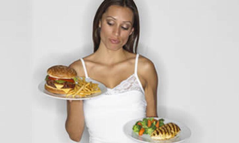 El mayor problema con la ortorexia es que la gente ignora o minimiza el hecho de que una buena alimentación debe estar balanceada. (Foto: Thinkstock)
