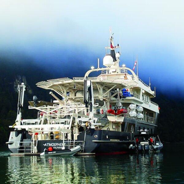 El Atmosphere es el pequeño barco que sale de Puerto Montt para introducirte al mágico y misterioso mundo de la Patagonia chilena.