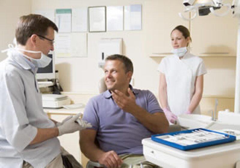 El 97% de los pacientes del consultorio DentiCenter provienen de EU, en general, gente con seguro médico. (Foto: Photos to go)