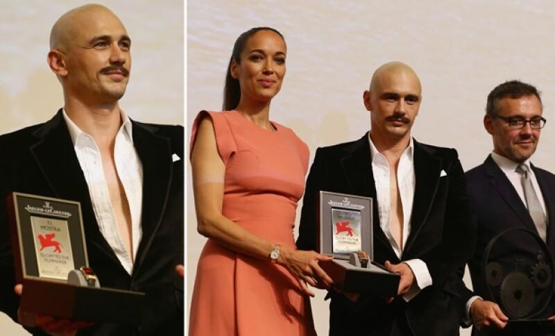 El actor estadounidense acudió al Festival de Cine en el que recibió un reconocimiento por su trayectoria.