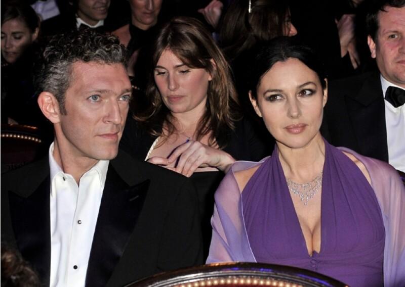 Existen rumores que dicen que su divorcio de Vincent Cassel se debe a que ella ha mantenido una relación con el empresario azerí, Telman Ismailov desde 2009.