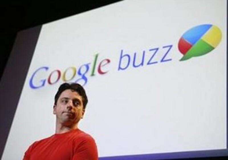 Google tiene 33 millones más de visitas por mes que Facebook. (Foto: Reuters)