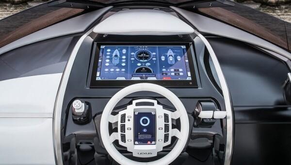 Lexus Yate.
