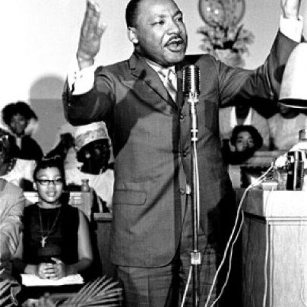 Martin Luther king fue activista del Movimiento por los Derechos Civiles en Estados Unidos para los afroamericanos y condecorado con el Premio Nobel de la Paz en 1964. King fue asesinado el 4 de abril de 1968 en el balcón del Motel Lorraine, en Memphis.