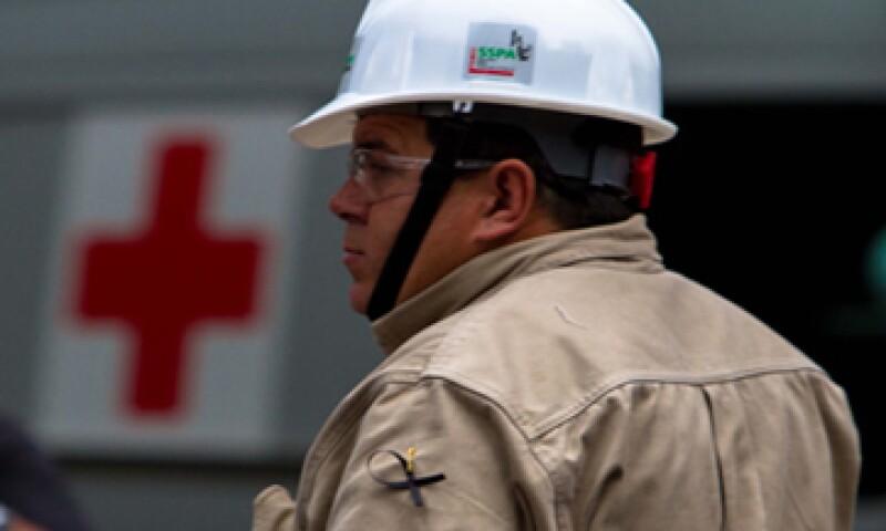 La explosión en la Torre de Pemex ha dejado 37 personas muertas y más de 100 heridas. (Foto: Notimex)