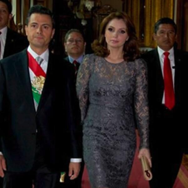 Enrique Peña Nieto y Angélica Rivera, la primera imagen como pareja presidencial.