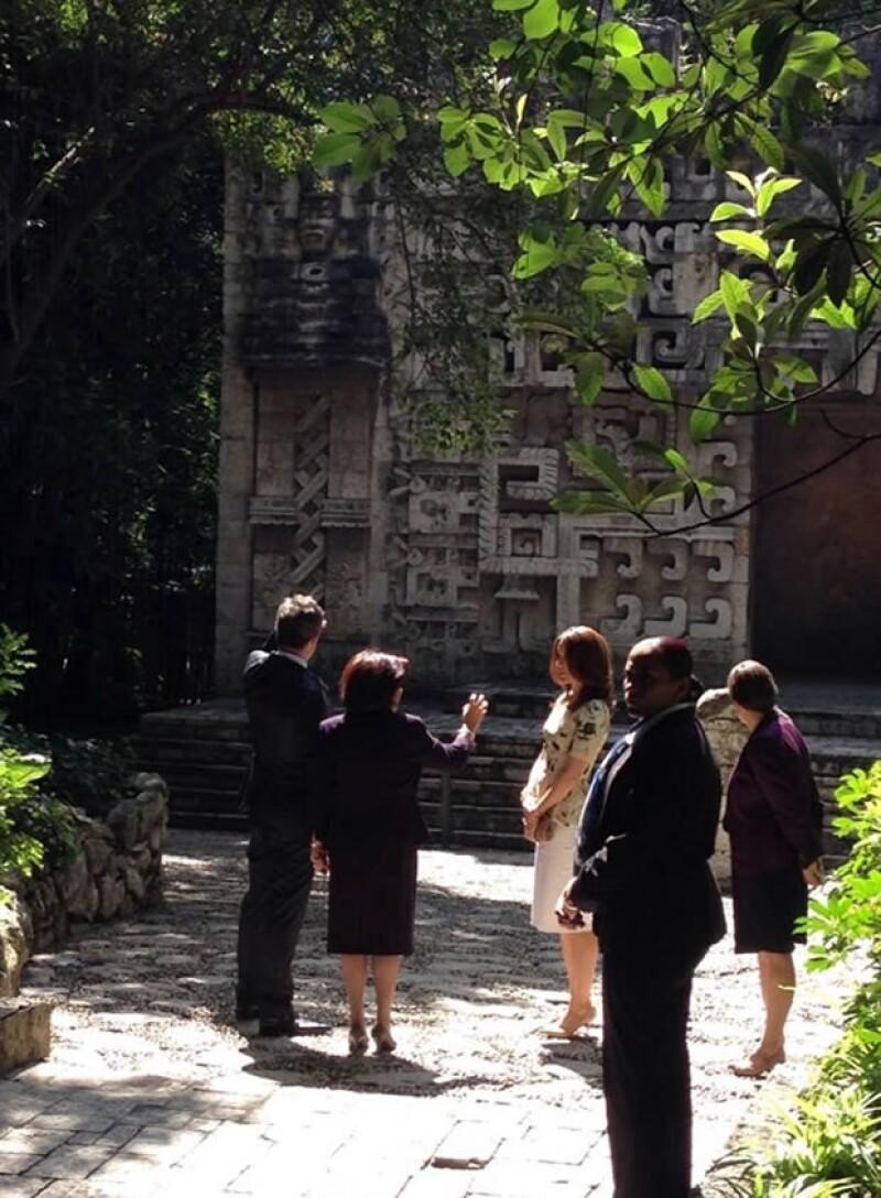 Los Príncipes Herederos llegaron ayer y en sus primeras horas de este lunes han estado en la Fundación CTDUCA y en el Museo de Antropología, después se reunirán con Peña Nieto.