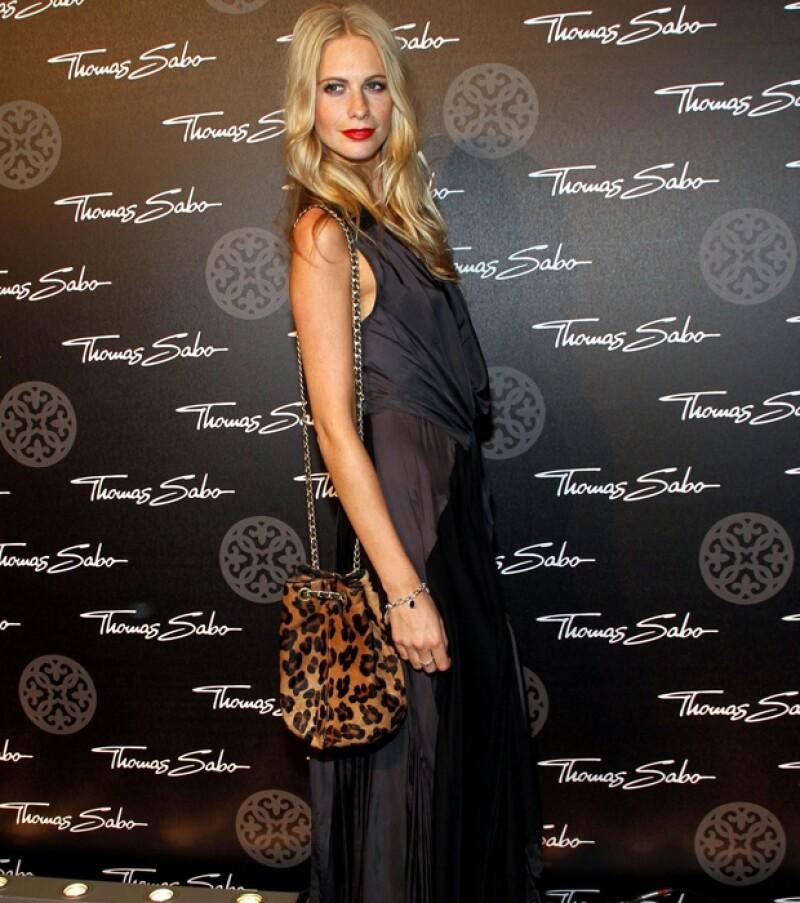 La fashionista inglesa asistirá como invitada especial a la muestra de la nueva gama de relojes de Salvatore Ferragamo.