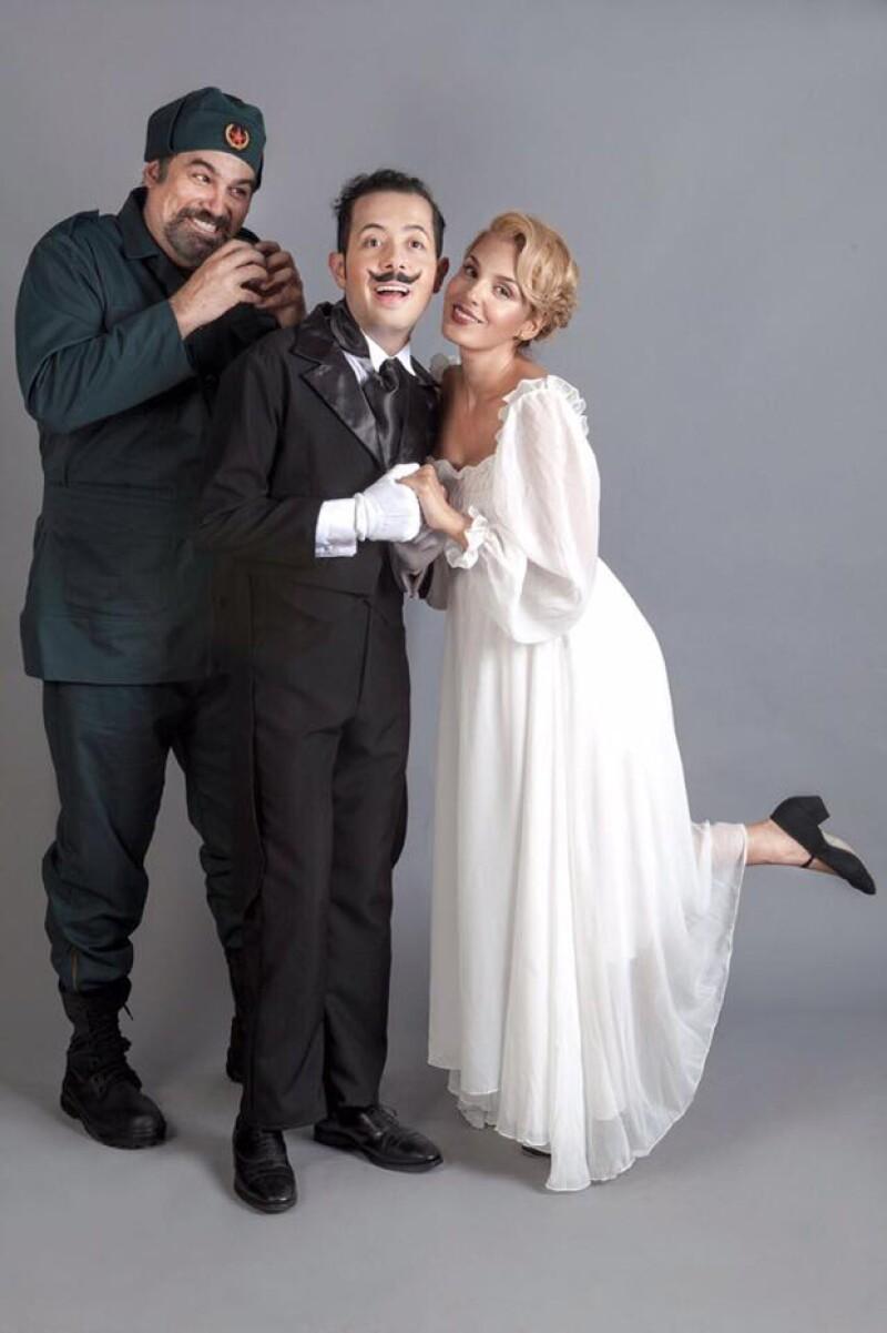 15 minutos de puras risas causadas por cualquier tipo de situaciones absurdas es parte de la obra que se presenta actualmente en Teatro en Corto.