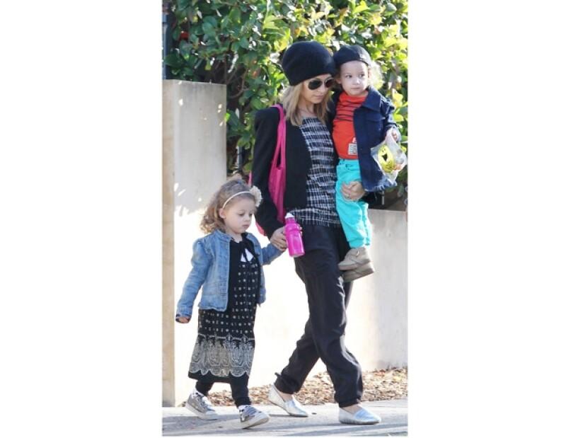 Nicole es otra celebridad a quien vemos constantemente con sus hijos.