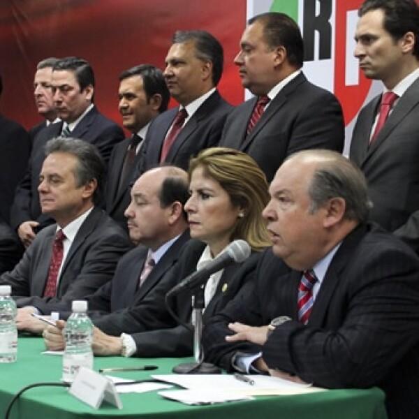 Enrique Peña Nieto presenta a su equipo de campaña