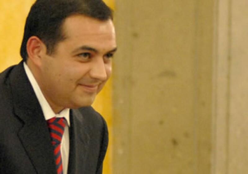 Ernesto Cordero, secretario de Hacienda, respondió preguntas de los ciudadanos en un foro en internet. (Foto: Notimex)