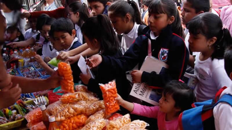 La Secretaría de Salud aceptó que el país tiene un rezago de 20 años en materia de obesidad
