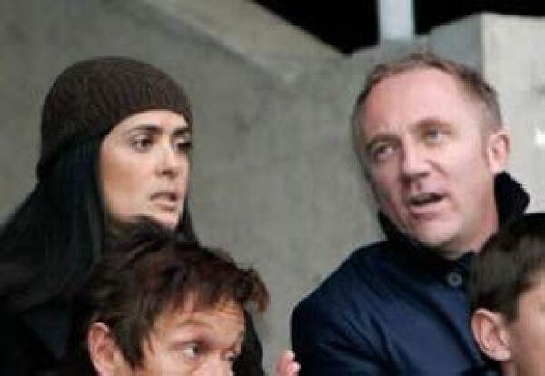 Cuando se especulaba su reconciliación, a finales de 2008, Salma y Pinault fueron captados en el estadio del Stade Rennais, equipo del que es dueño el empresario francés.