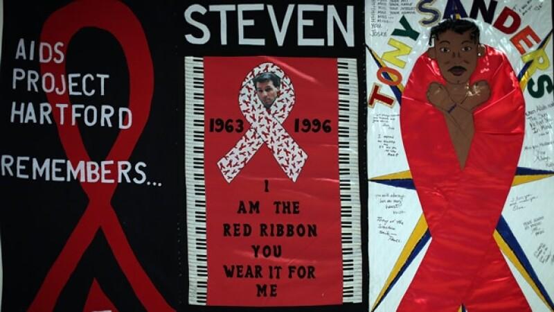 detalles de un memorial dedicado a victimas del sida