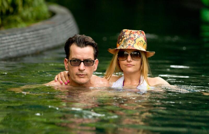 El actor con su última ex esposa, Brooke Mueller.