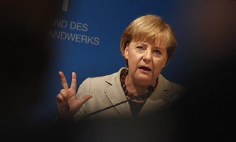 La canciller dijo que es necesario aliviar las tensiones entre los miembros de la eurozona y la Unión Europea. (Foto: Reuters)