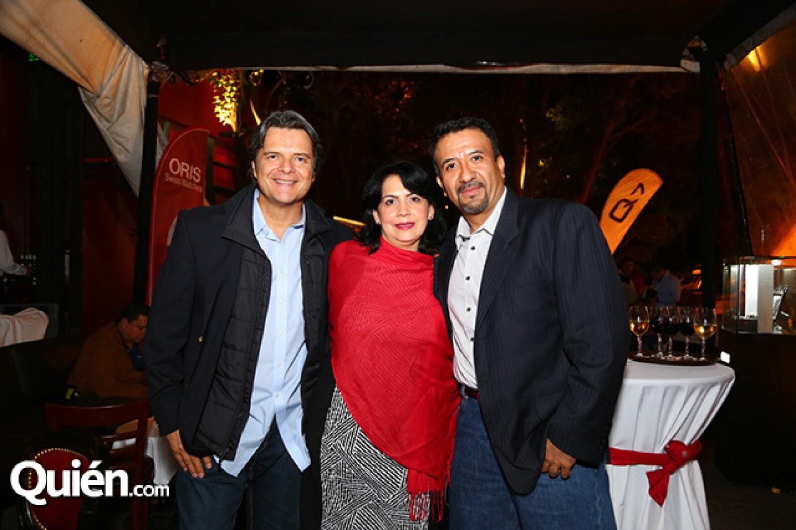 Ariel López Padilla,Angélica Mayen y Mario Citalan