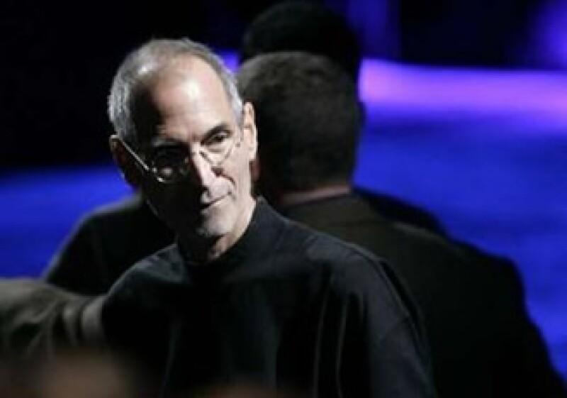 En su reaparición en público, Jobs fue recibido con una ovación a pie. (Foto: Reuters)