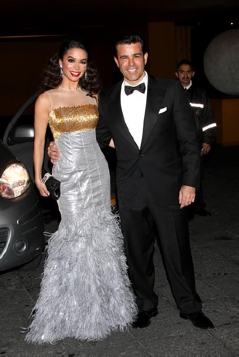 La actriz, cantante y conductora, quien en el 2014 festejará  20 años de casada con Eduardo Capetillo, se dijo orgullosa de la familia que ha formado.
