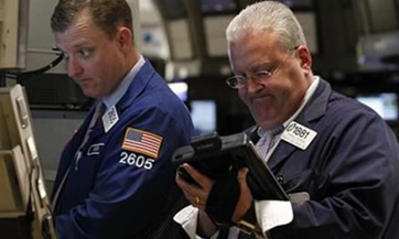 Los inversionistas de Wall Street están atentos a las subastas de deuda en Europa para determinar qué dirección tomará la crisis de deuda en la zona euro. (Foto: Reuters)