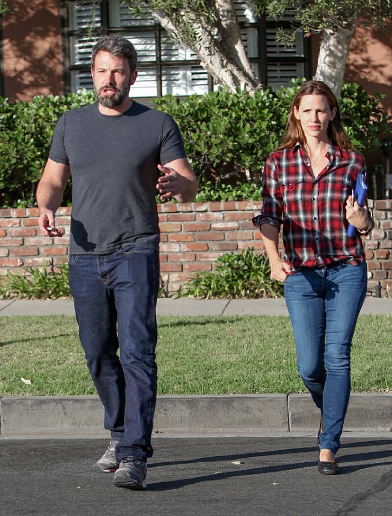 Ben y Jennifer se separaron el verano pasado, sin embargo continúan juntos por el bienestar de sus hijos.