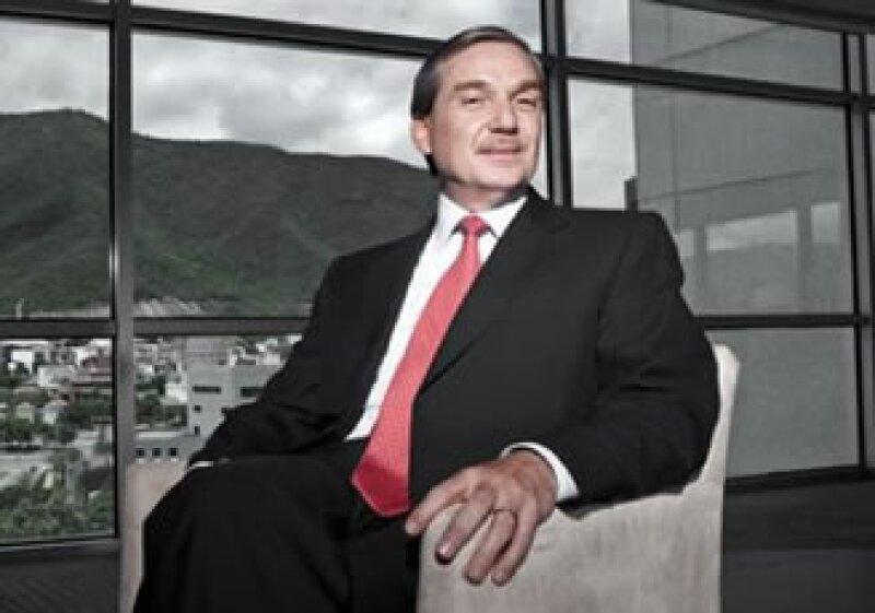 El CEO del riesgo compró a Grupo Carso una firma más grande que la suya, llevando a su compañía, Lamosa, a la cima. (Foto: Selma Fernández)