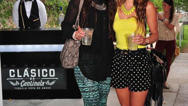Karla Mestre optó por unos leggings con estampado con motivos étnicos; mientras que Yvana Pérez usó unos shorts polka dots.