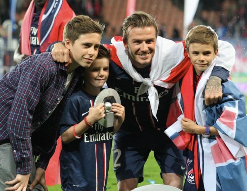En entrevista, el futbolista comentó que cuando la familia se reúne para ver la tele, comienza una pelea, pero al final, es él quien decide qué van a ver.