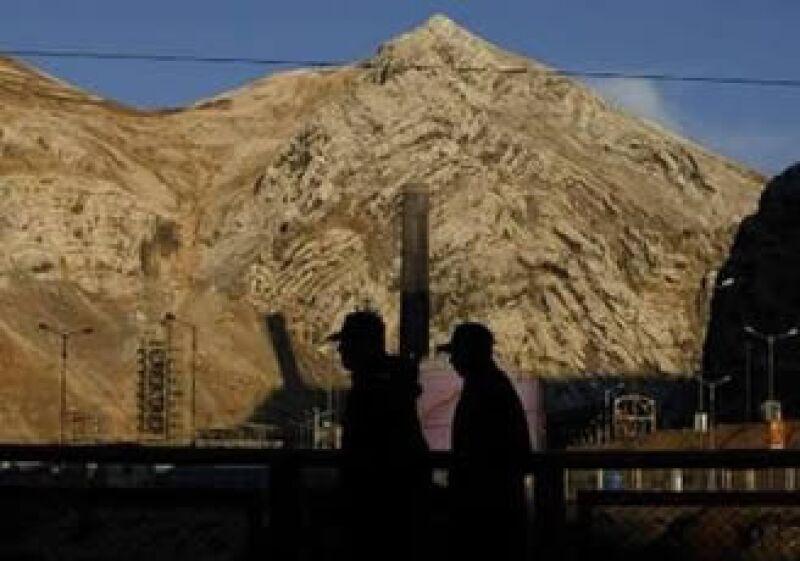 El Gobierno peruano ha estimado que la economía del país crecería 2.5% este año, mientras el pasado se expandió casi 10%. (Foto: Reuters)