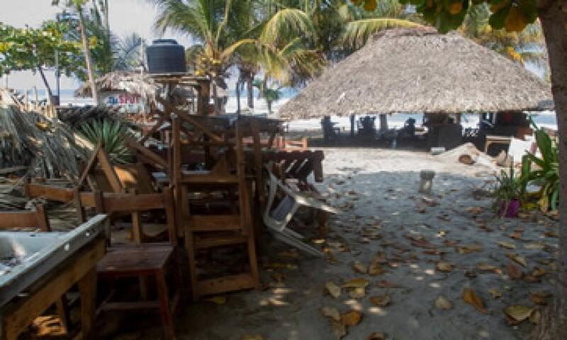 Sólo 5.0% de los restaurantes afectados pro mar de fondo estaban asegurados. (Foto: Cuartoscuro )