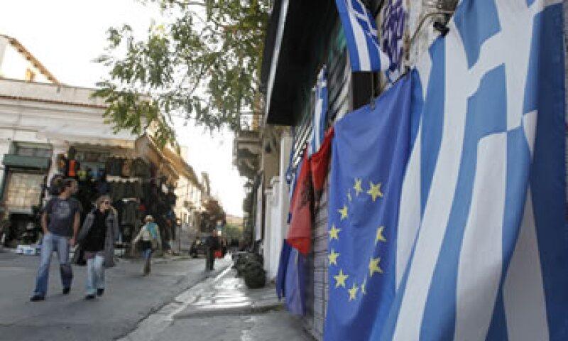 La crisis política de Grecia pone en peligro un nuevo plan de rescate de 180,000 mdd  acordado el 27 de octubre. (Foto: AP)