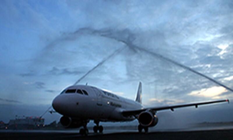 Volaris es la primera aerolínea mexicana en salir a cotizar de manera simultánea tanto en el mercado de valores de Nueva York como en México. (Foto: Cuartoscuro)