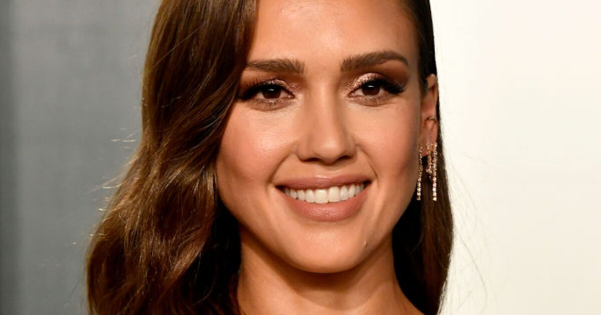 Why did Jessica Alba retire at the height of her career?