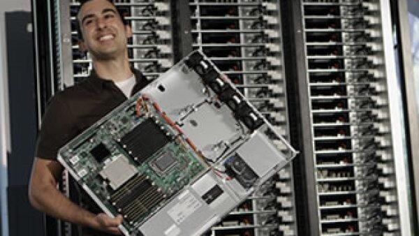 Los servidores representan entre 20 y 60% del consumo total de energía dentro del centro de datos. (Foto: AP)