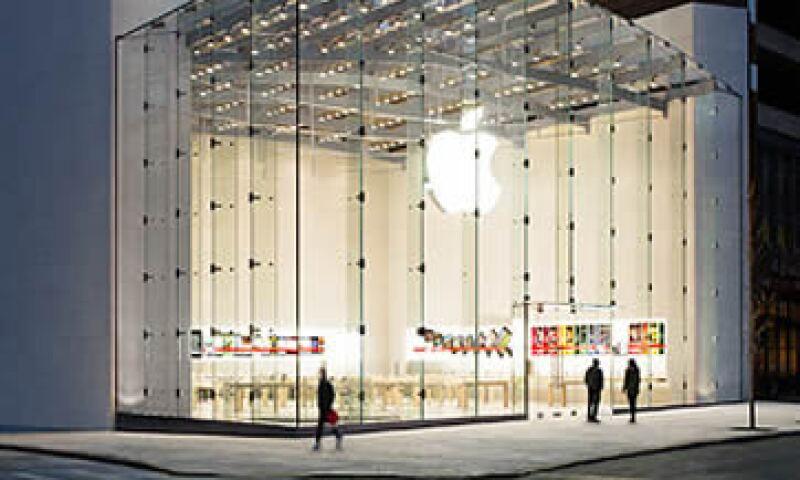 La demanda cubre servicios como iTunes, iCloud y Apple App Store. (Foto: Cortesía de CNNMoney)