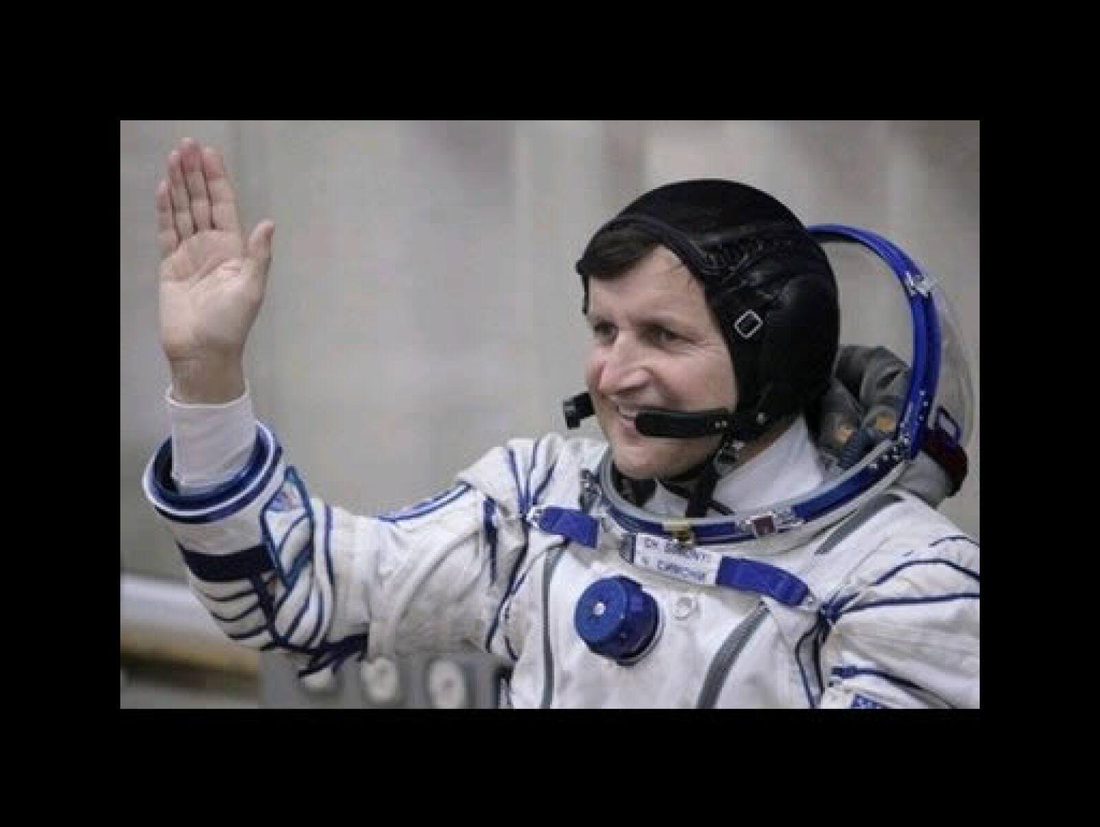 El desarrollador de software para Microsoft, Charles Simonyi, es el primer turista en viajar dos veces al espacio.