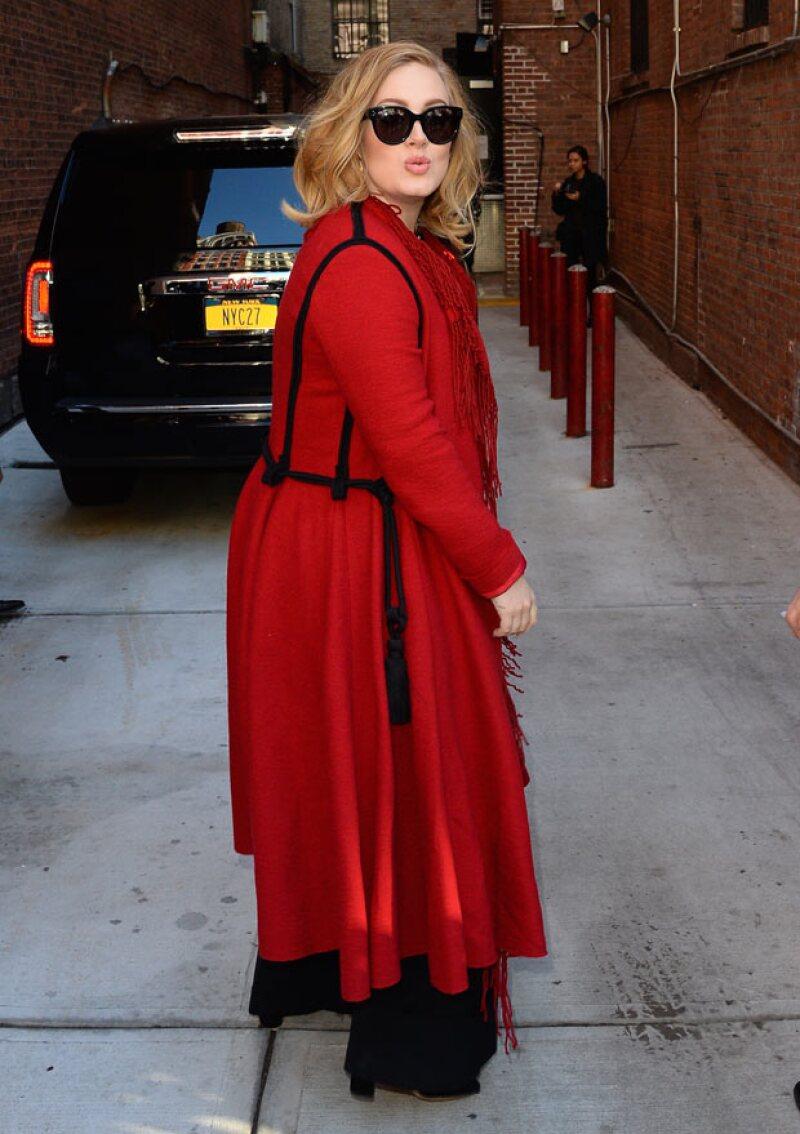 Después de tres años, Adele regresó a los escenarios.