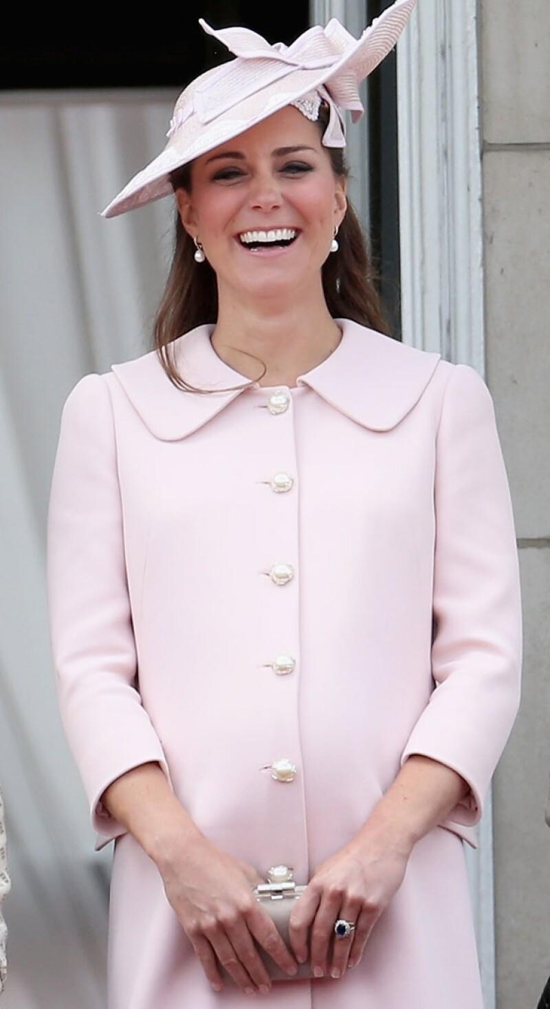 La Duquesa está a unas cuantas semanas de recibir a su hijo o hija, por ello un recuento de las tiendas londinenses donde ella y su mamá Carole han asistido en búsqueda de lo mejor para el heredero.