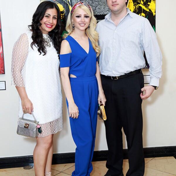 Paola Balderas,Mayela Treviño de Barragán y Daniel Barragán