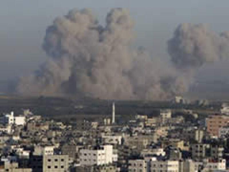 Más de 1,000 palestinos han muerto en Gaza durante la ofensiva israelí. (Foto: Reuters)